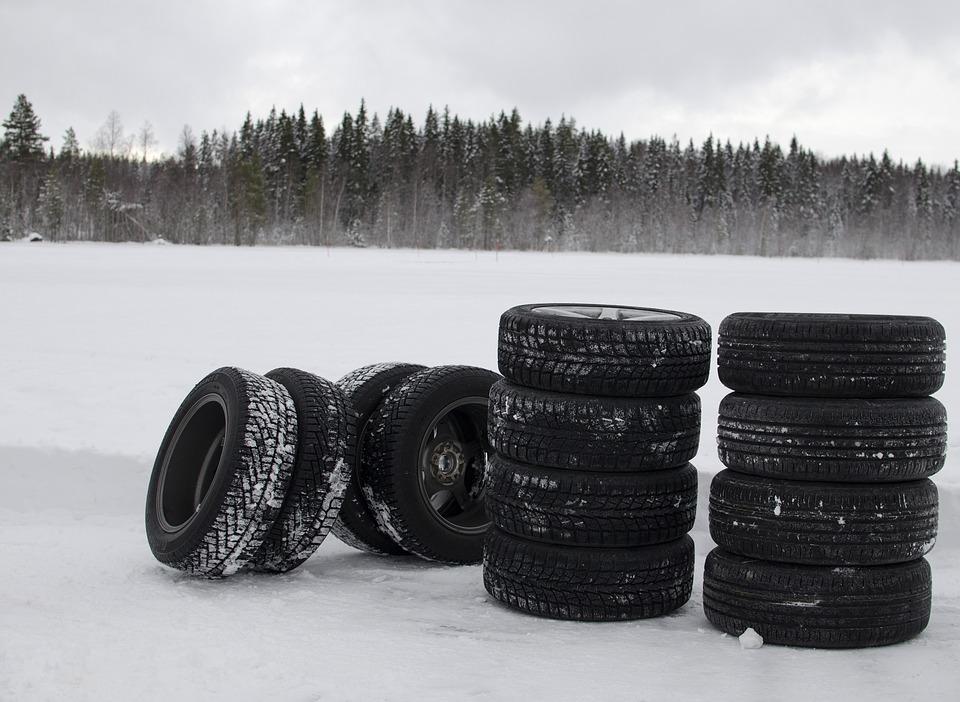 winter-tyres-1242170_960_720 (1)