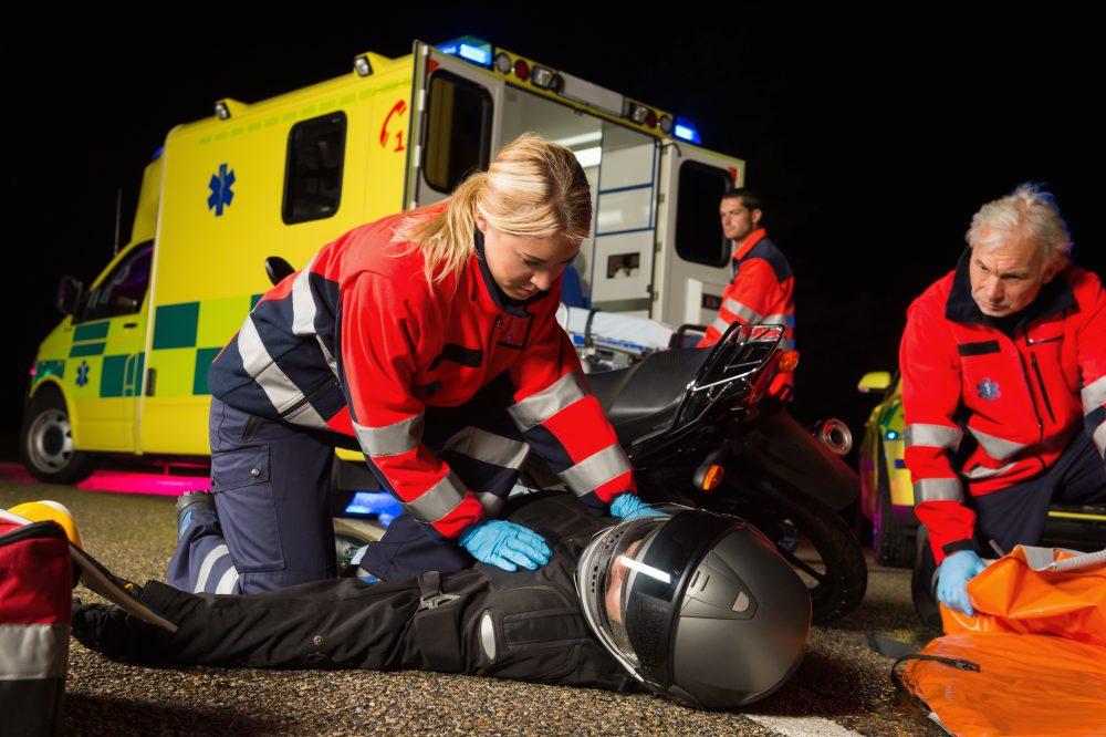 První pomoc při nehodě motorky
