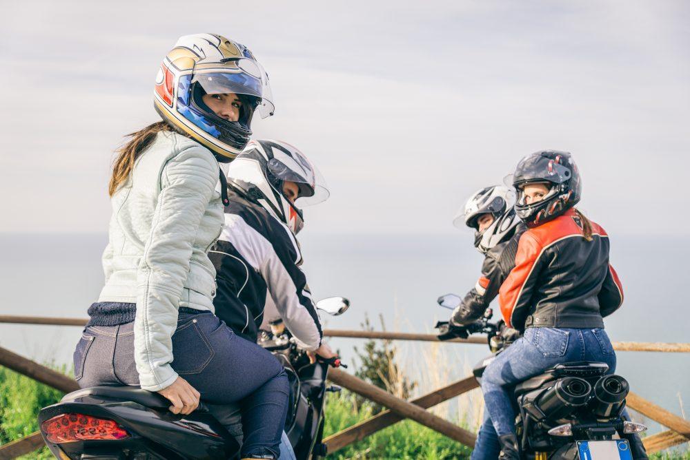 Jízda na motocyklu se spolujezdcem