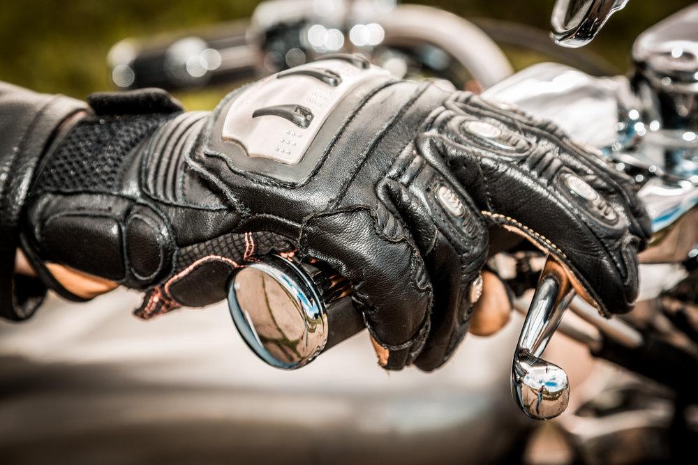 Ako vybrať motorkárske rukavice