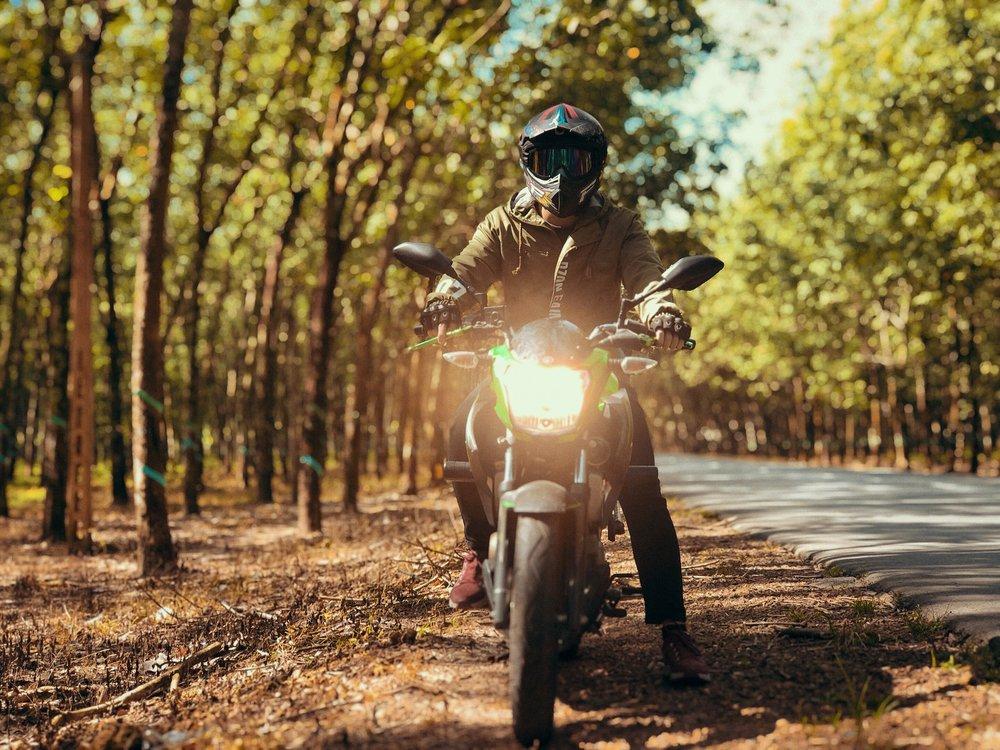 Jazda na motorke na jeseň