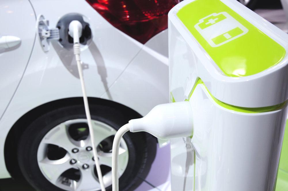 Elektromobily a hybridné autá