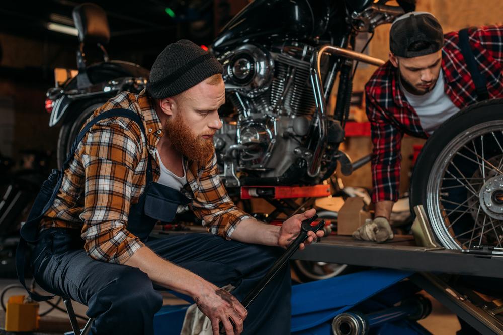 Oprava motocykla v pneuservise