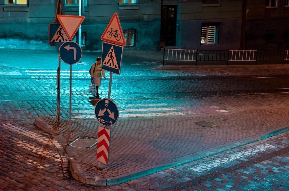 Ulica s dopravnými značkami
