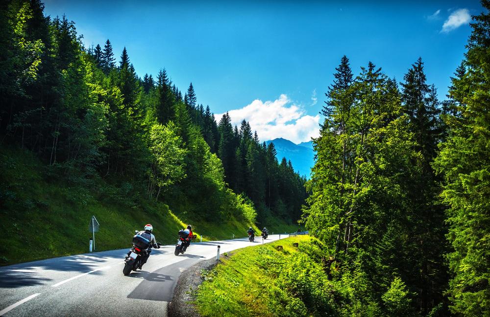 Motocykel na ceste