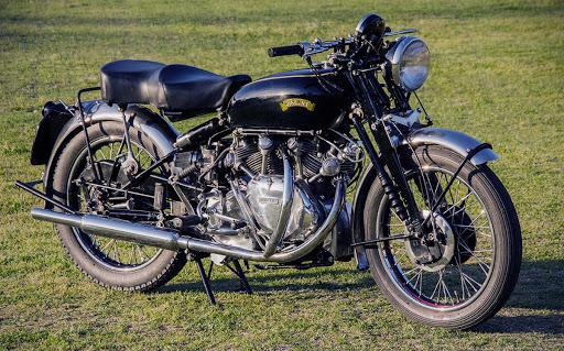 Motocykel Vincent White Shadow